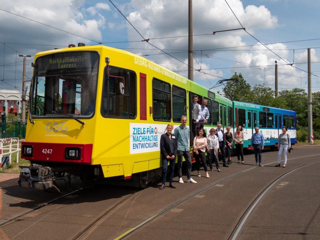 Nachhaltigkeitsbahn mit Projektbeteiligten