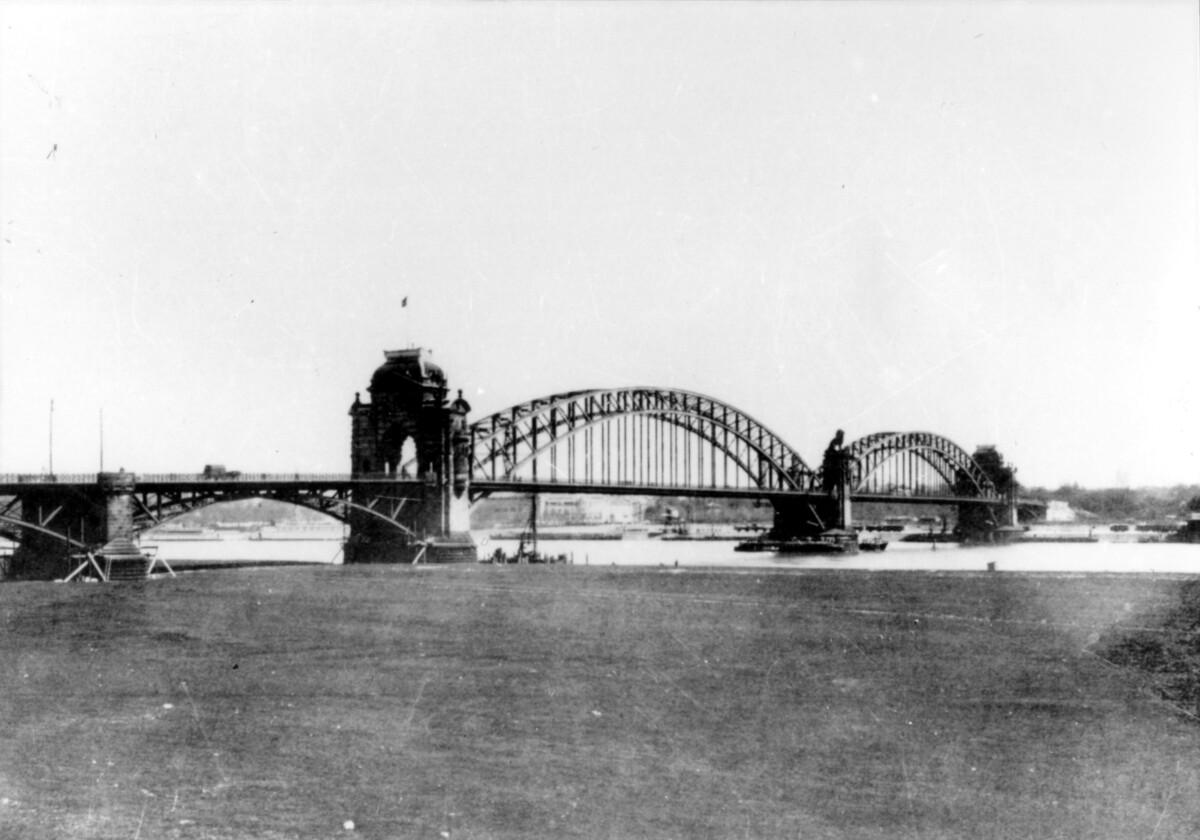 Oberkasseler Brücke, 19. Jahrhundert