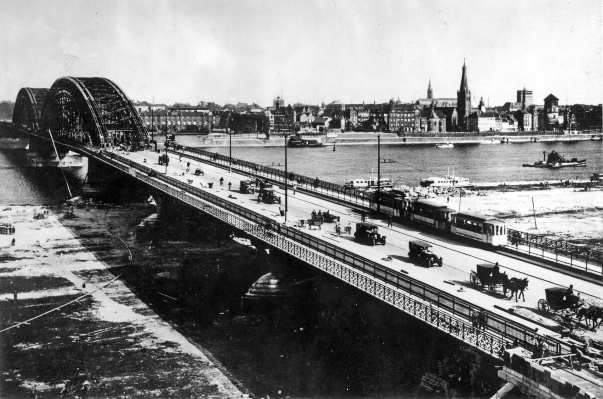 erweiterte Oberkasseler Brücke
